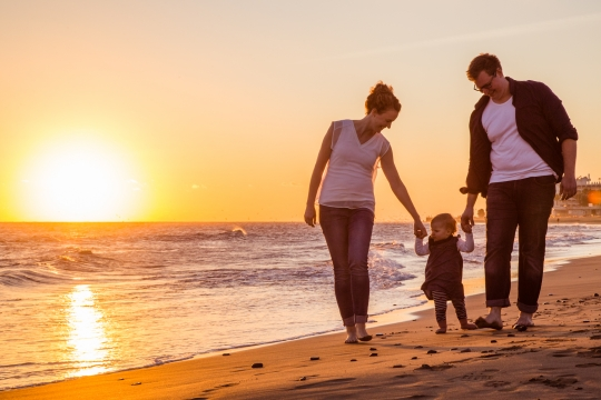 Familienshooting im Sonnenuntergang