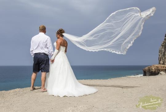 Hochzeit mit fliegendem Schleier