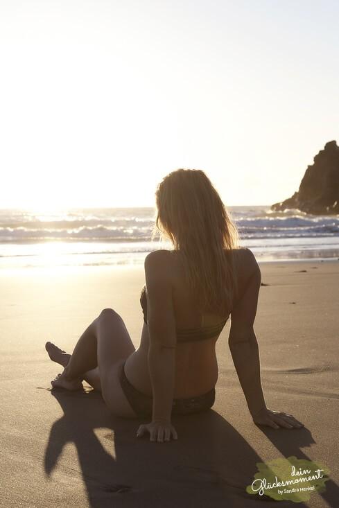 Am Strand ist es doch am schönsten - Einzelshooting  - Sonnenuntergang Visagist